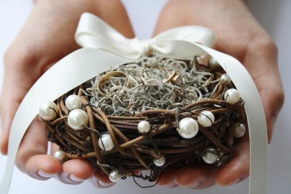 nest wedding ring holder