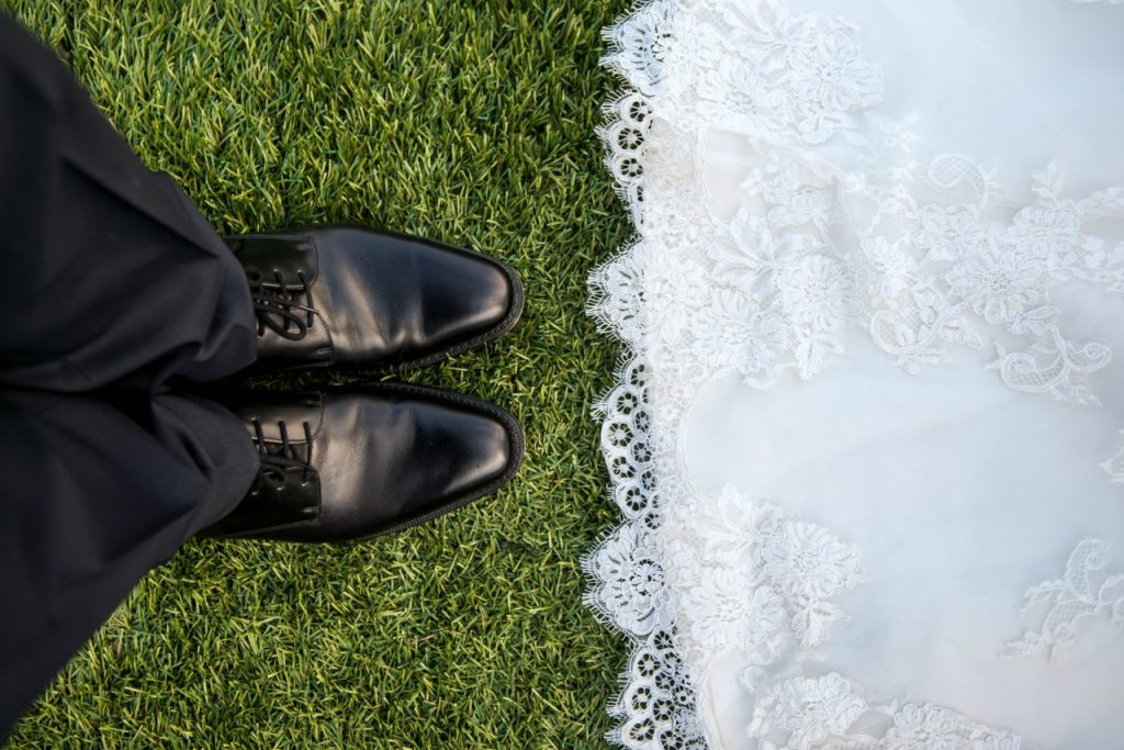 A Guide to Planning a Backyard Wedding at Home