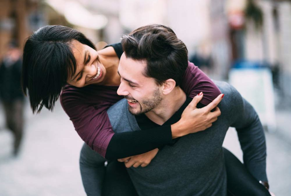 Things couples can do to bring spark in their relationship